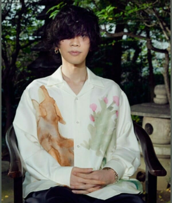 須田景凪の顔と米津玄師似てる