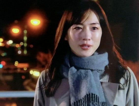 綾瀬はるかドラマのトレンチコート