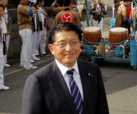 平井卓也の息子と長男次男