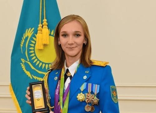 カザフスタン美人旗手選手