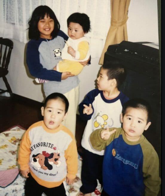 素根輝の家族と兄と父母姉